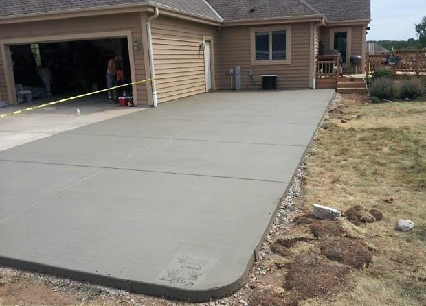 бетонирование во дворе