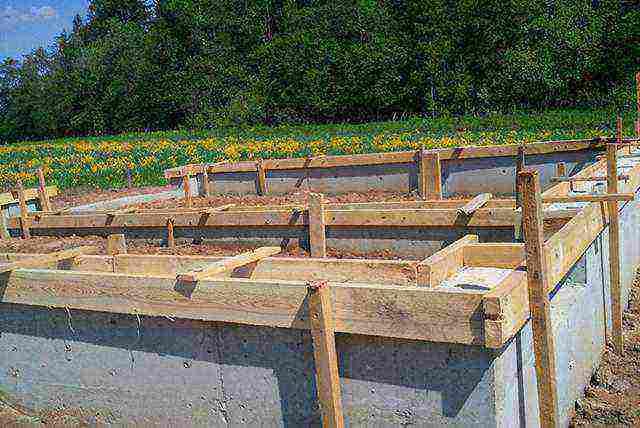 что лучше блоки фбс или ленточный фундамент под деревянный дом