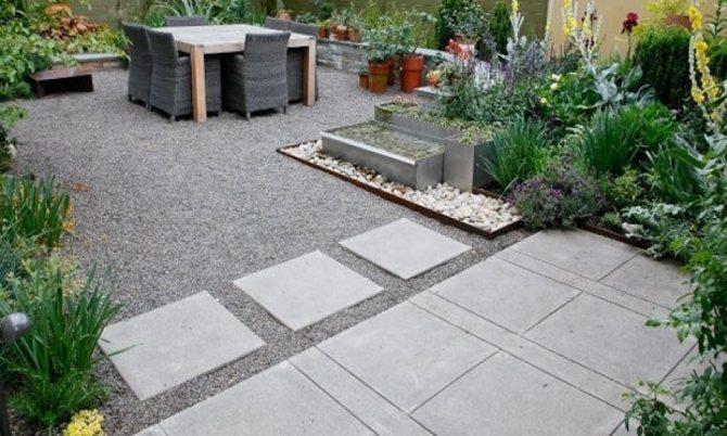Дачная дорожка из бетонных плит