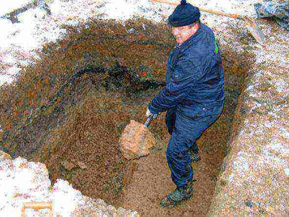 для чего нужна подушка из песка и щебня под фундамент