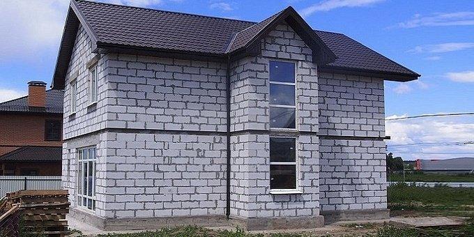 Дом из пенобетонных блоков: плюсы и минусы, этапы возведения
