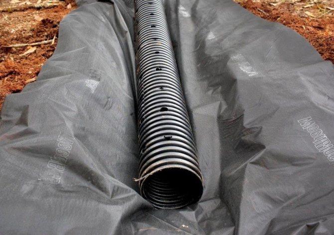 Дренажная труба для системы водоотвода