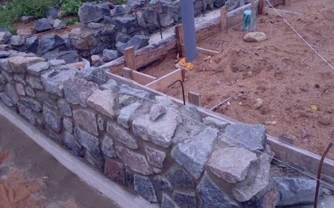 Фундамент под баню из камня