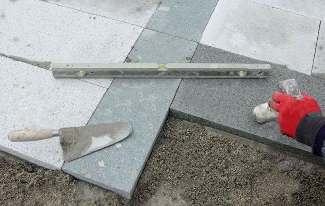 инструменты для укладки тротуарной плитки на бетон