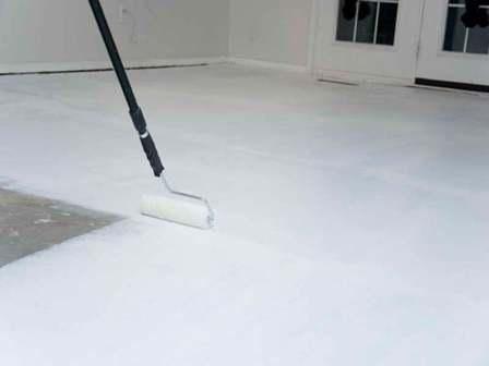 Как наносить краску на бетон