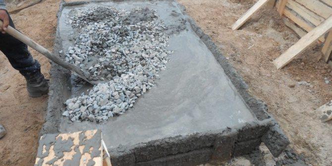 Как примеяется сухая бетонная смесь