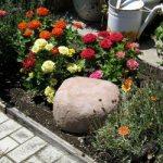 Как сделать огромный фальш-валун для дачного участка или сада