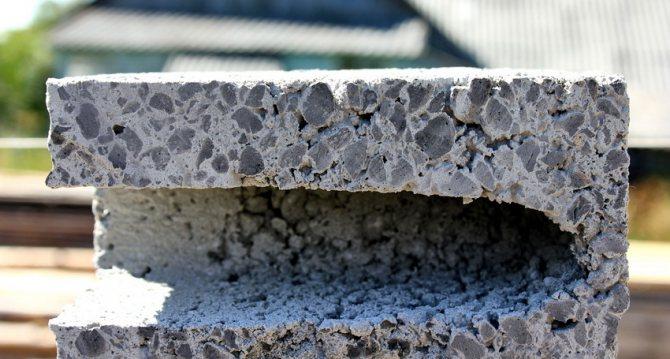 Керамзитоблоки имеют более легкий вес по сравнению с другими материалами