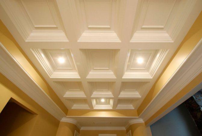 Кессонный потолок из пенополиуретана