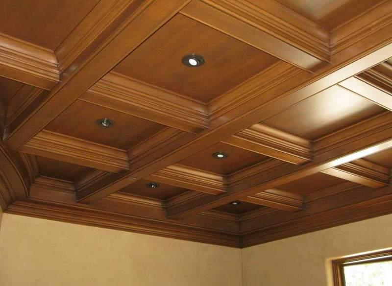 Кессонный потолок с квадратными ячейками