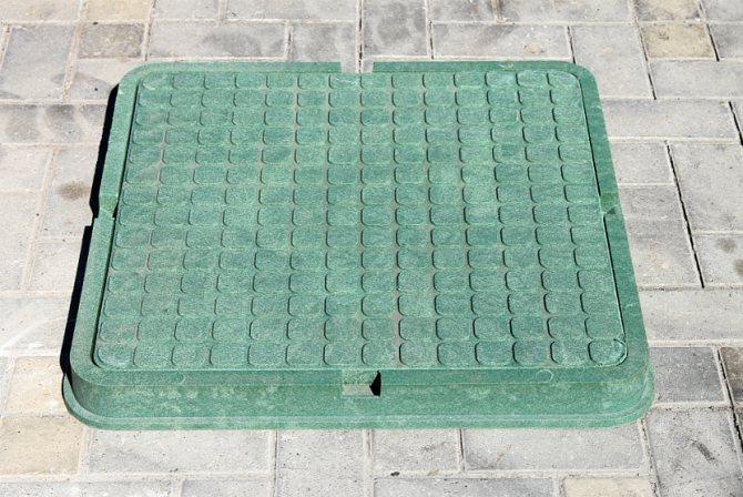 Квадратный полимерно-песчаный люк