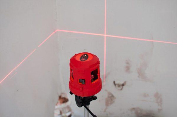 Лазерный нивелир-уровень
