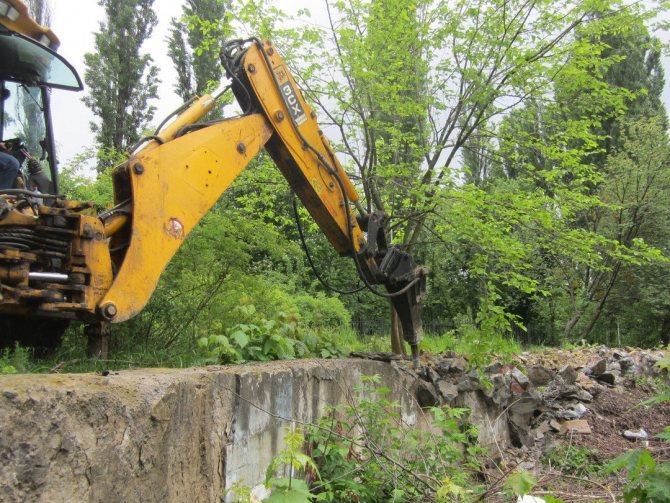 Механический демонтаж бетонного фундамента