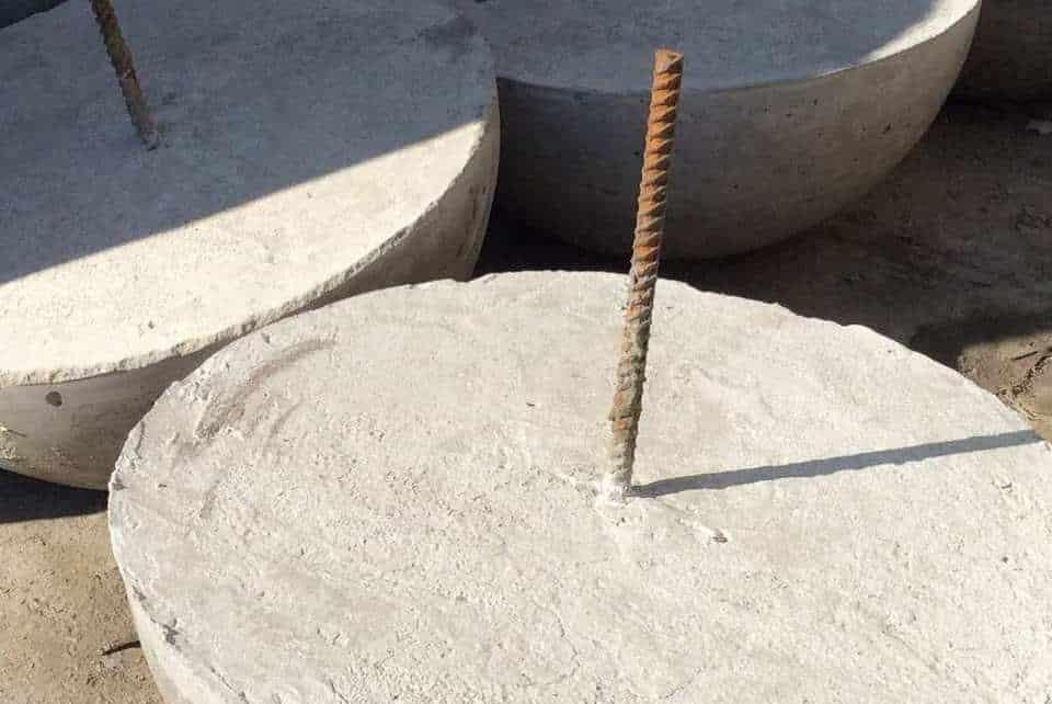 металлический штырь для монтажа полусферы