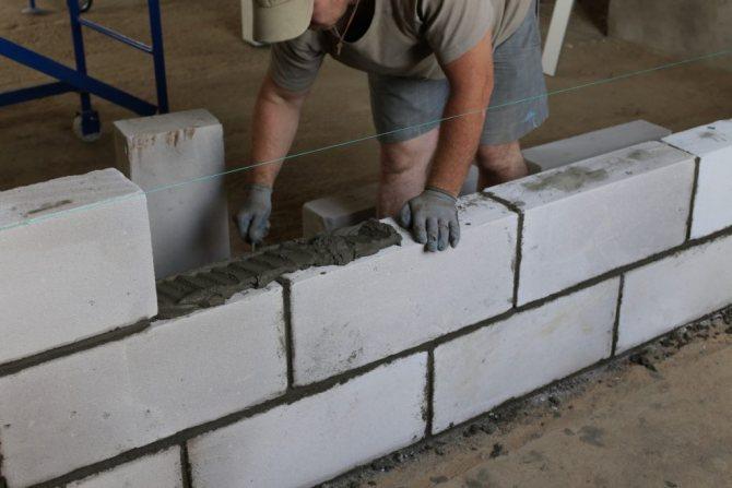 Монтаж керамзитобетонных перегородок из блоков