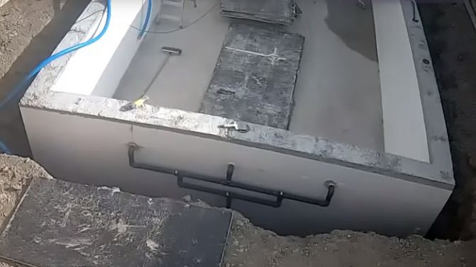 Монтаж оборудования бассейна.