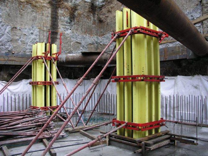 Монтаж съемной опалубки колонн