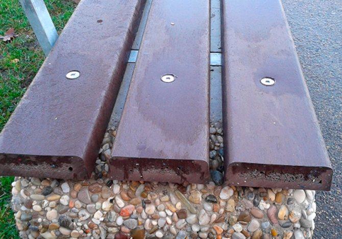 Наглядный пример крепления деревянных брусьев к бетону