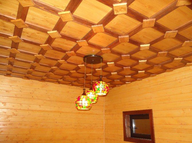 Несложный кессонный потолок