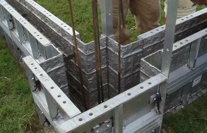 Опалубка для отливки монолитного бетонного забора