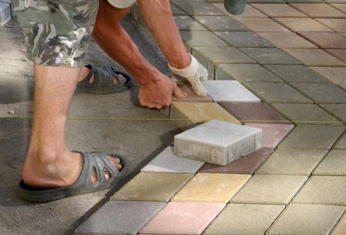 особенности укладки брусчатки на бетон