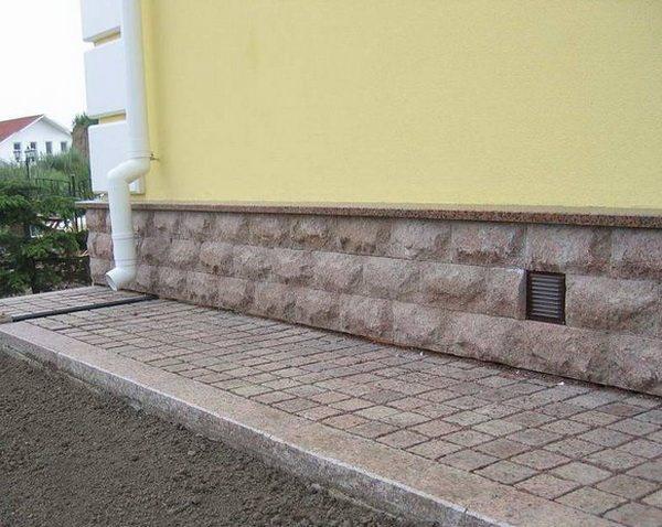 Отмостка из тротуарной плитки своими руками: пошаговая инструкция — ВикиСтрой
