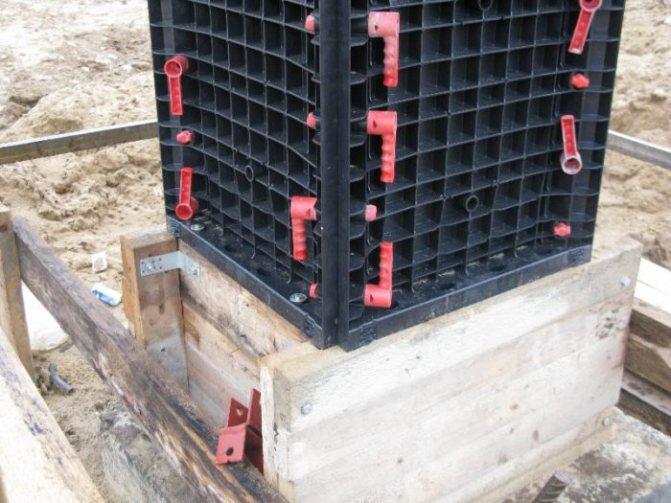 Пластиковая опалубка для колонн