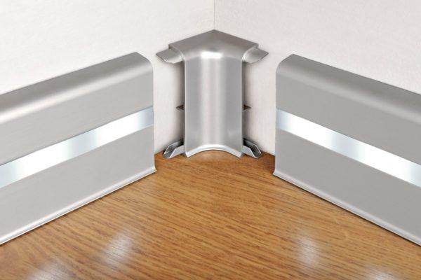 Плинтус с кабель-каналом и системой подсветки