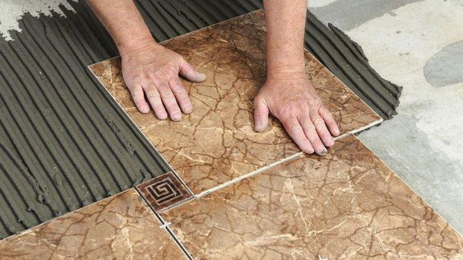 Почему мастера не советуют класть плитку на цементный раствор