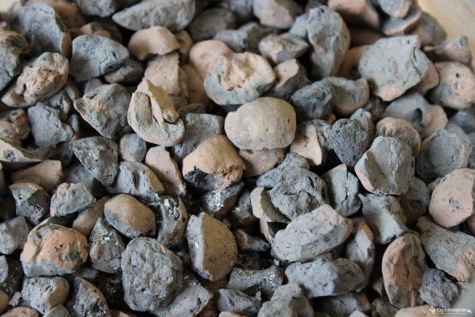При необходимости снизить расходы на закупку, можно приобрести материал бывший в употреблении - керамзит превосходно сохраняет свои свойства