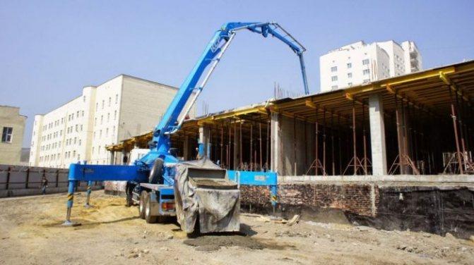 Принцип работы бетононасоса, типы систем, виды бетононагнетателей