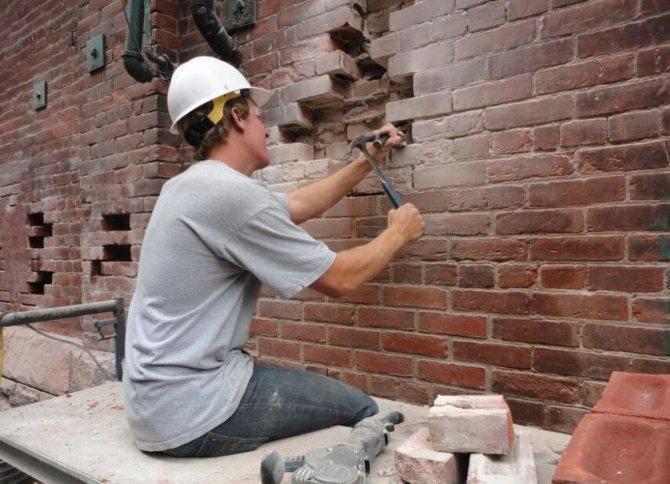 Ремонт домов из кирпича - как сделать, причины разрушения, инструкция, советы каменщиков