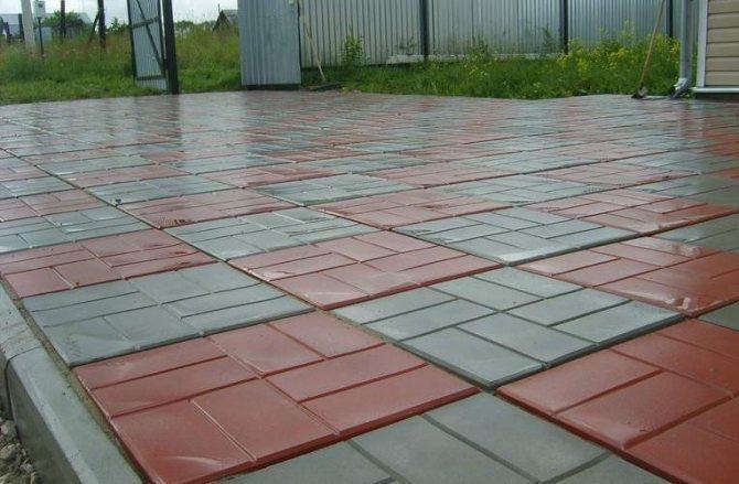 ровно и аккуратно уложенная тротуарная плитки