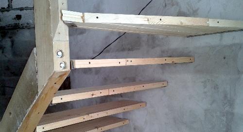Сборка лестницы с тыльной стороны