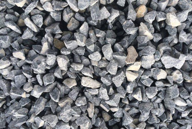 щебень для замешивания бетонного раствора