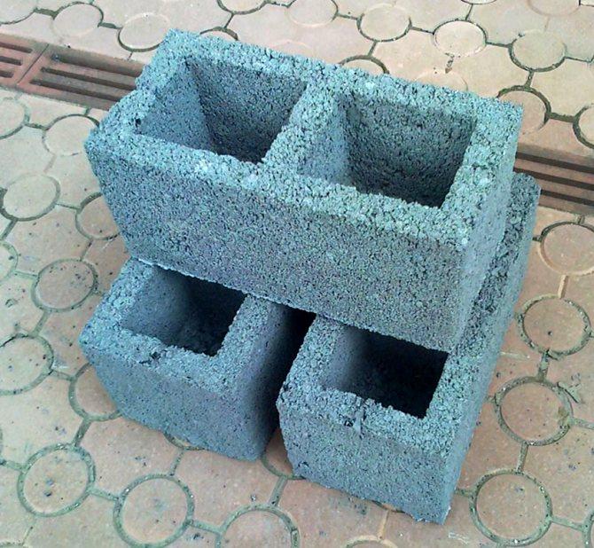 Средними стандартными размерами блоков считаются ‒ 39х19х18,8 см
