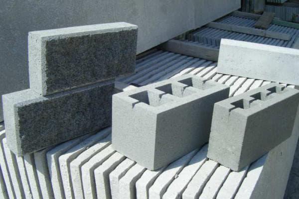 строительные пескоцементные блоки 20х20х40