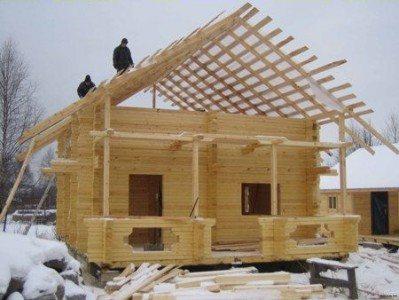 строительство деревянного дома осенью