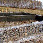 Строительство фундамента из камня