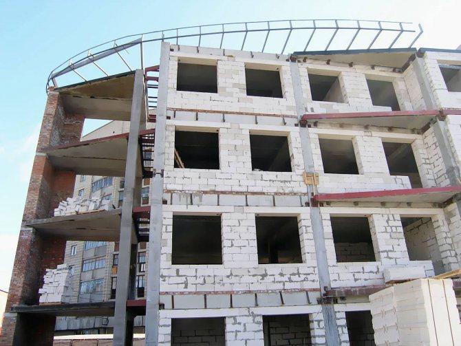 Строительство многоэтажного жилого комплекса из газосиликатного блока производства КСМ Старый Оскол