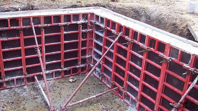 Существенный недостаток использования металлических щитов в опалубке - их высокая стоимость