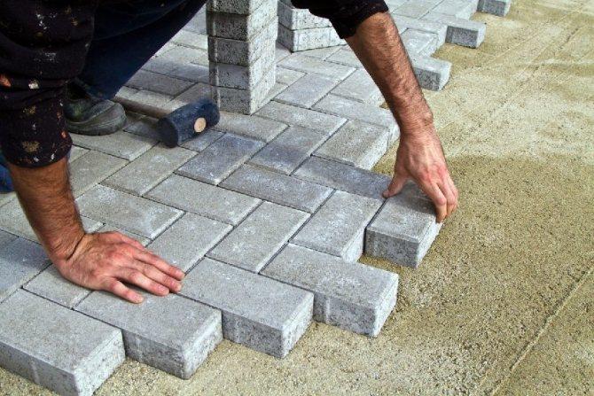 Существует множество вариантов укладки тротуарной плитки