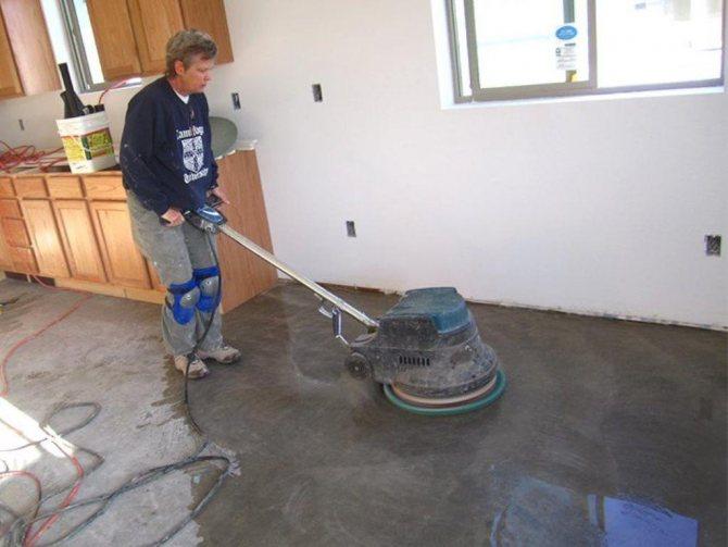 Существует сухая и влажная технология шлифовки бетона, выбирать которую можно на свое усмотрение