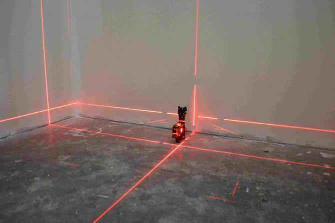 Удобнее всего работать с лазерным уровнем