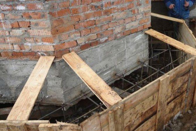 Укрепление фундамента кирпичного дома - как делать, инструкция, советы каменщиков
