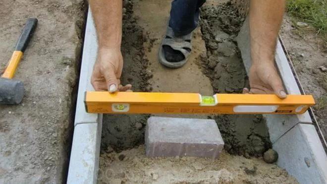 установка бордюрного камня технология