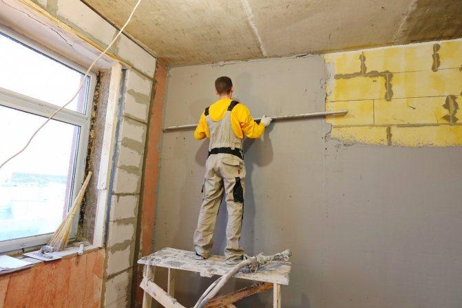 вариант использования штукатурки газобетона в ремонте комнаты