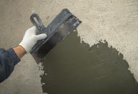 выполнение гидроизоляции колодца из бетона