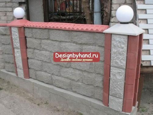Забор из шлакоблока и профнастила. Особенности материала 08