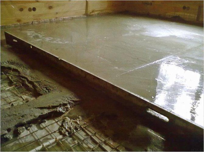 Заливка бетоном по маякам